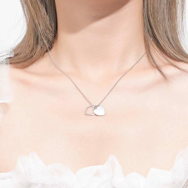Bilde av Open heart med valgfri bokstav - Sølvanheng